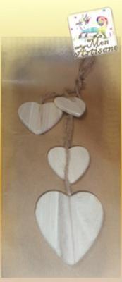 Coeurs en bois et corde