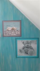 papier peint ourson sur mur