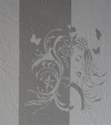 photo pochoir sur mur crepis portrait femme papillons 2 tons jls