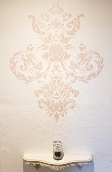 Pochoir motif baroque  peint par Geraldine
